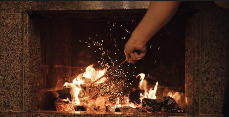 10 Tips on How to Start a Fire in a Fireplace EnkiVeryWell