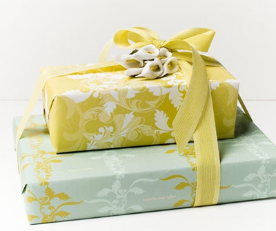 How Much To Spend On Wedding Gift And What To Give Enkiverywell