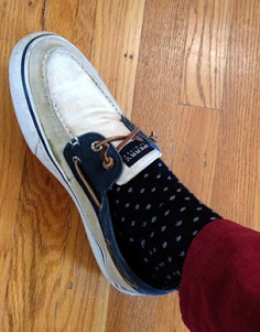 """huge discount ab5ab cb4c5 I don t like going without socks much anymore."""" Yes, the debate on socks  with sperrys seems to be more of a personal preference regarding comfort."""